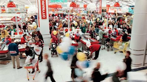 Kauppakeskus Jumbon avajaiset vuonna 1999.