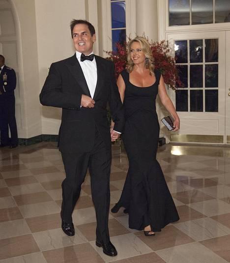 Mark Cuban ja vaimo Tiffany kuvattuna Valkoisessa talossa 2015.