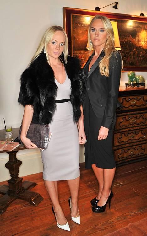 Kathrine ja Cecilie Astrup Fredriksen ovat pitäneet matalaa profiilia ja heitä nähdään vain harvoin edustustilaisuuksissa.