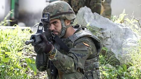 Espanjalaissotilas osallistui toissa viikolla Mallorcalla taktiseen harjoitukseen, joka oli jo osa Naton suursotaharjoitusta.