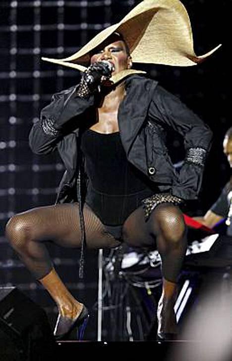 Grace Jonesin show Sydneyssä oli vertaansa vailla.