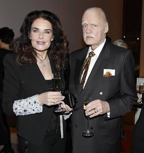 Kaarina ja Kari Kivilahti olivat naimisissa yli 45 vuotta. Vaimon nimi jäi silti pois testamentista.