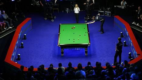 Snookerin Shoot Out -turnaus pelataan normaalista poikkeavilla säännöillä.