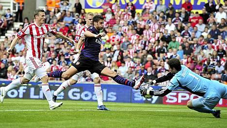 Arsenal ja Stoke nyhjäsivät 0-0-tasapelin.
