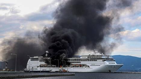 Korfun satamassa telakalla olleen MSC Lirican tulipalo saatiin tunnin kuluessa hallintaan.
