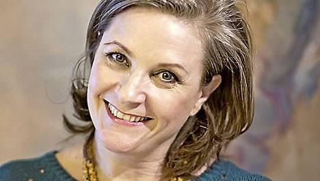 Mia Halonen työskentelee nykyään deittivalmentajana ja tekee laaja-alaisesti viestintätöitä. Hän on toiminut esimerkiksi Mallikoulu-sarjan toimittajana.