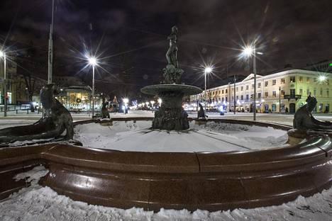 Tiistaiksi Helsinkiin on luvattu yli 10 astetta pakkasta, ja yöksi vielä enemmän.