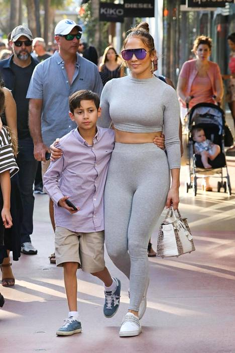 Jennifer Lopez ja poika Maximilian.