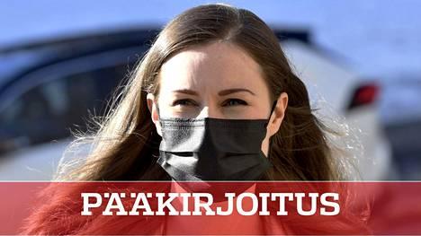 Pääministeri Sanna Marin (sd) saapui hallituksen neuvotteluihin Säätytalolle tiistaina. Aiheina liikkumisrajoitukset ja maskipakko.