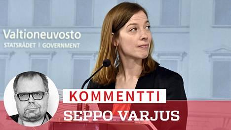 Opetusministeri Li Andersson kertoi tiistaina koulujen siirtymisestä lähiopetukseen.