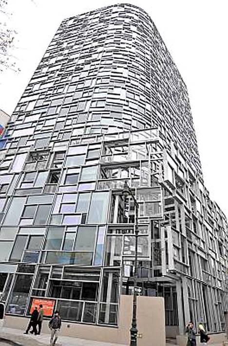 Kelsey Grammer osti asunnon futuristisesta kerrostalosta.
