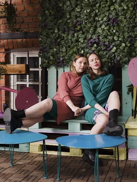 Aarre on aloittanut lastenvaatemerkkinä, mutta on kasvanut pääasiallisesti naistenvaatemerkiksi. 3XL:n tuotteet ovat olleet suosittuja, mutta yhä Aarteen suosituin ja ostetuin koko on L eli noin 40. Merkki käyttää erikokoisia malleja.