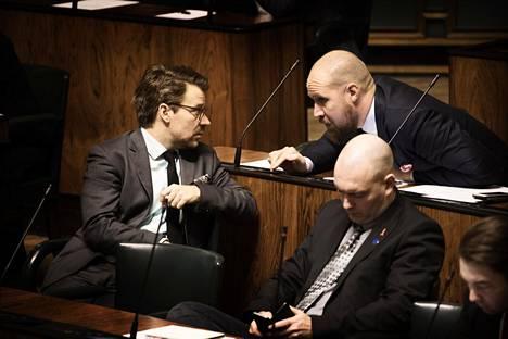 Ville Niinistö kertoi auttaneensa Aaltoa runsaasti tämän puheenjohtajakauden alkutaipaleella.