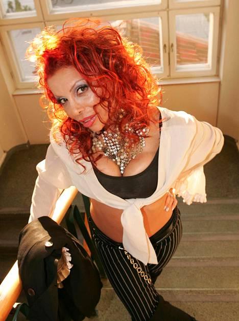 Nisa Soraya oli takavuosina koko kansan tuntema seksisymboli ja laulaja. Kuva vuodelta 2005.