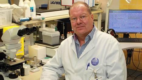 Lapin keskussairaalan infektiolääkäri Markku Broas on tyytyväinen, että antibioottikuureja syödään yhä vähemmän.