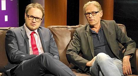 Toivo Sukari oli vieraana keskiviikkona Tuomas Enbusken isännöimässä talk showssa TV5-kanavalla.