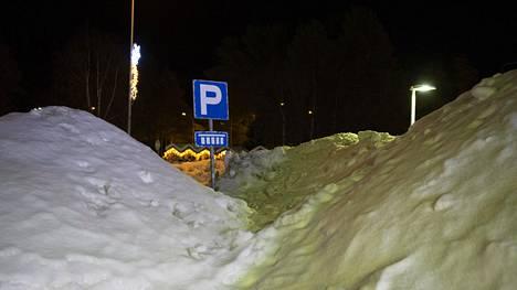 Esimerkiksi Sodankylässä on nyt todella paljon lunta.