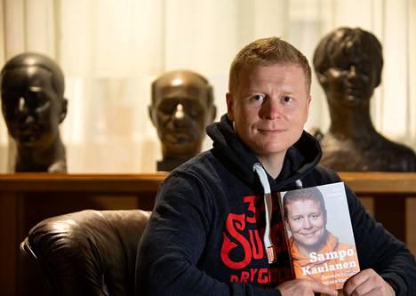 Sampo Kaulanen julkaisi keskiviikkona kirjan Suomen sympaattisin kauppias.