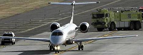 US Airways Expressin koneen matka keskeytyi Philadelphiaan perättömän pommiepäilyn takia.