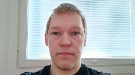 Joni Savolainen, 34, on kamppaillut mystisten oireiden kanssa maaliskuun puolivälistä lähtien.