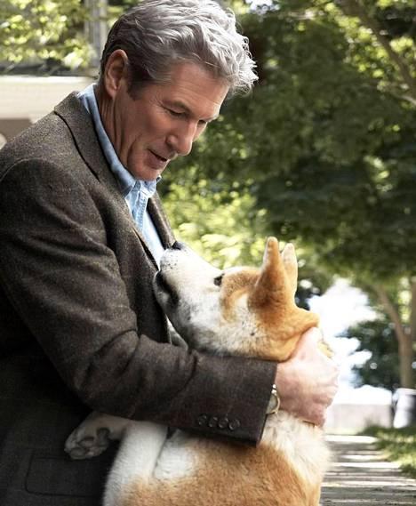 Richard Gere koiramelodraamassa.
