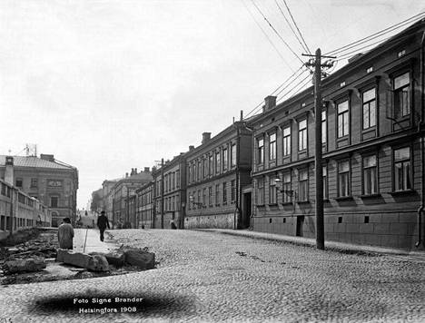 17. Kasarmikatu vuonna 1908.