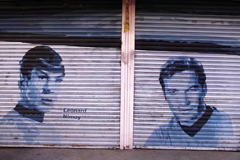 Spock ja kapteeni Kirk maalattuna varaston seinään Hollywoodissa.