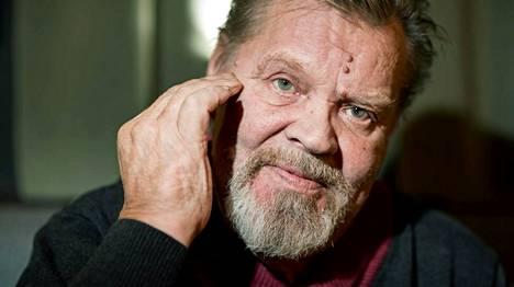 Vesa-Matti Loirilla on kesällä kolme festarikeikkaa.