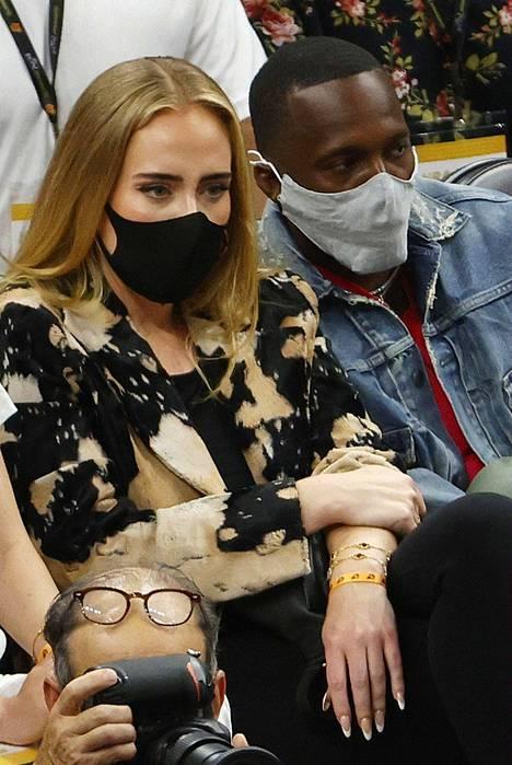 Adele esiintyi julkisesti NBA-agentti Rich Paulin kanssa, ja suhdehuhut lähtivät välittömästi liikkeelle.
