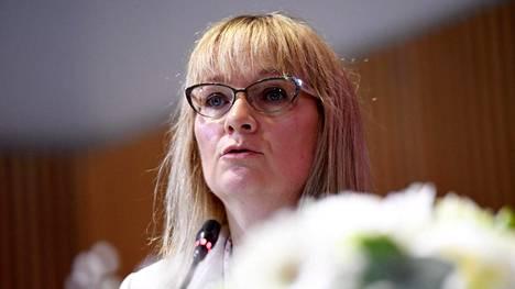 –Todellinen ongelma on se, että jokaista avointa työpaikkaa kohti on seitsemän työtöntä, liitto napauttaa, JHL:n puheenjohtaja Päivi Niemi-Laine sanoo.