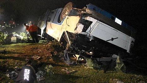 Onnettomuus sattui sumuisessa säässä Naolincossa.