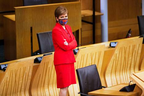 Nicola Sturgeon Skotlannin parlamentissa Edinburghissa tänään.
