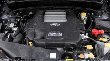 Tämä näky käy harvinaiseksi. Kuvassa Subaru Foresterin dieselpata.