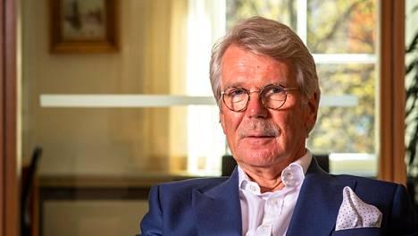 Metsäyhtiö UPM:n hallituksen puheenjohtaja Björn Wahlroosin mukaan yritykset hoitavat tehtävänsä yrityskansalaisina parhaiten, kun ne hoitavat mahdollisimman hyvin niihin rahojaan sijoittaneiden varallisuutta.