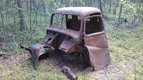 Alueelta löydetty kuorma-auton ohjaamo.