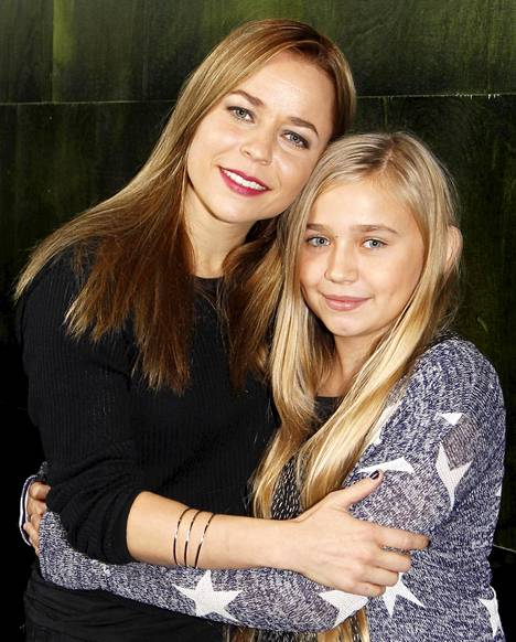12-vuotias Linnea Skog näyttelee elokuvassa Varpua. Kyseessä on nuoren näyttelijälupauksen ensimmäinen elokuva.