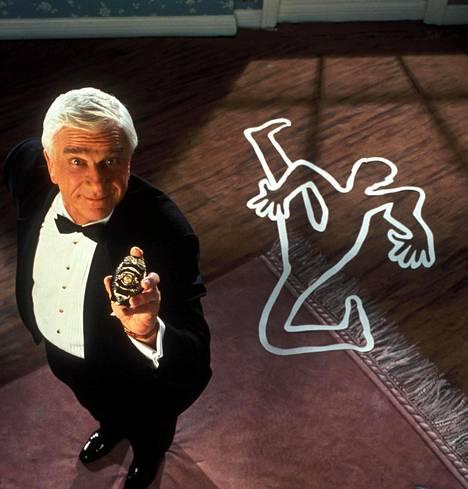 Mies ja alaston ase -elokuvat takasivat Nielsenille tien tähtiin.