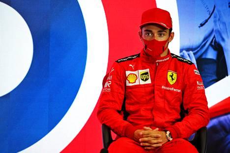 Myös Ferrarin Charles Leclerc antoi FormulaPassionin mukaan melko lohduttoman arvion Lewis Hamiltonin haastamisesta.