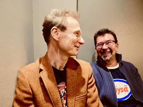 Ismo Alankoa ja rumpali Harri Kinnusta naurattaa, millainen jatkumo Metallican ja Alangon julkisesta vuoropuhelusta puolitoista vuotta sitten tuli.