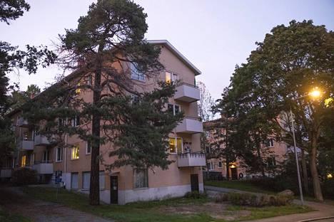 Porvoon ammuskelun toinen syytetty on kirjoilla Tukholman Hammarbyhöjdenin kaupunginosassa.