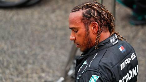 Lewis Hamiltonin kisa oli mennä täysin pieleen Imolassa.