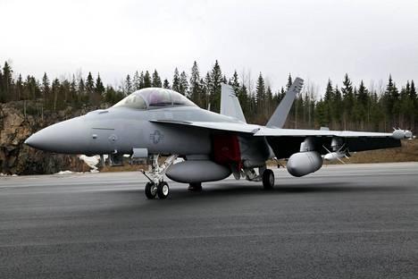 Hornet EA-18G Growler.