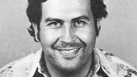 Pablo Escobarin pidätyskuva vuodelta 1977.
