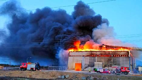 Hälytys pellettitehtaan palosta tuli perjantai-iltana hieman ennen yhdeksää.