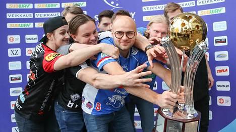 Viime keväänä vastaavassa tilaisuudessa Classicin kokenut Juha Kivilehto johdatti joukkueet pokaalijahtiin. Ja kuinkas siinä sitten kävikään?