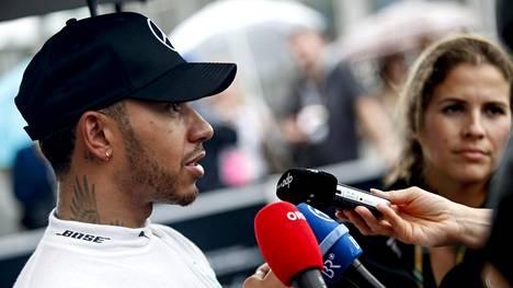 Lewis Hamilton kertoi karun totuuden F1-kisoista – ehdottaa radikaalia muutosta MM-sarjaan