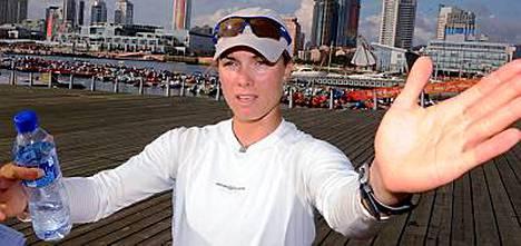 Silja Lehtisen venekunta aloitti mitalivauhdissa, mutta tippui starttipäivien mittaan ulos mitalilähdöstä.