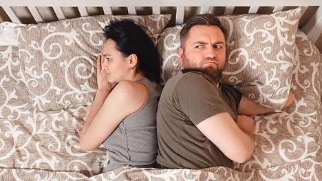 """""""Jos seksi loppuu, suhdekin loppuu"""" – vaan miten onkaan tiskaamisen laita? Näistä asioista ei suhteissa tehdä kompromisseja"""