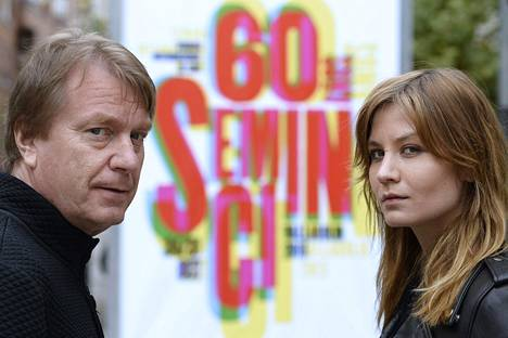 Kaurismäki ja Buska markkinoivat elokuvaa festivaaleilla Espanjassa lokakuussa.