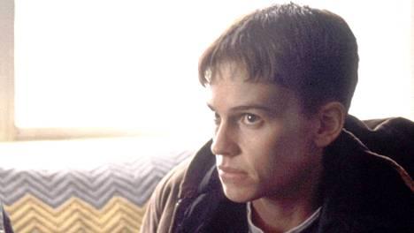 Boys Don't Cry perustuu tosielämän tapahtumiin transsukupuolisen Brandon Teenan elämästä.